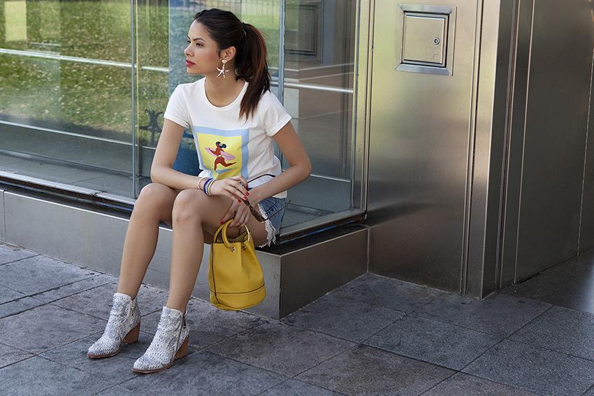Una urban girl en el metro